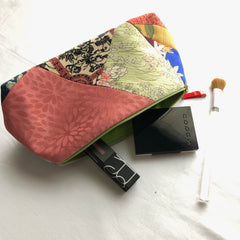 Accessories/cosmetic bag