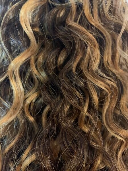 The WONNET with Human/Synthetic Blend Long Curly