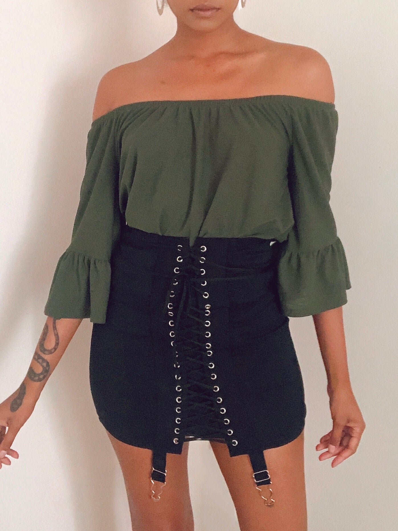 Ruffled forest green top