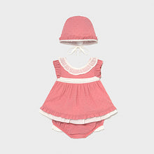 Load image into Gallery viewer, Mayoral Blouse set with bonnet for newborn girl