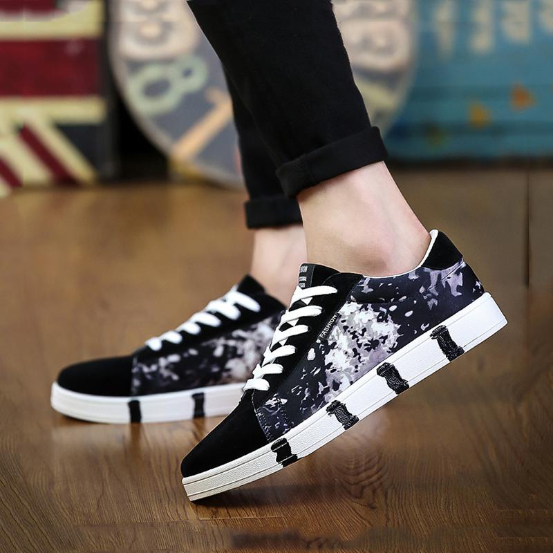 Canvas Cloth Lace Up Men's Sneakers