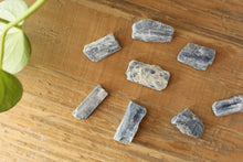 Load image into Gallery viewer, Blue Kyanite Crystal