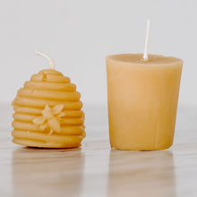 Load image into Gallery viewer, Beehive Beeswax Candle