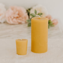 Load image into Gallery viewer, Pillar Beeswax Candles