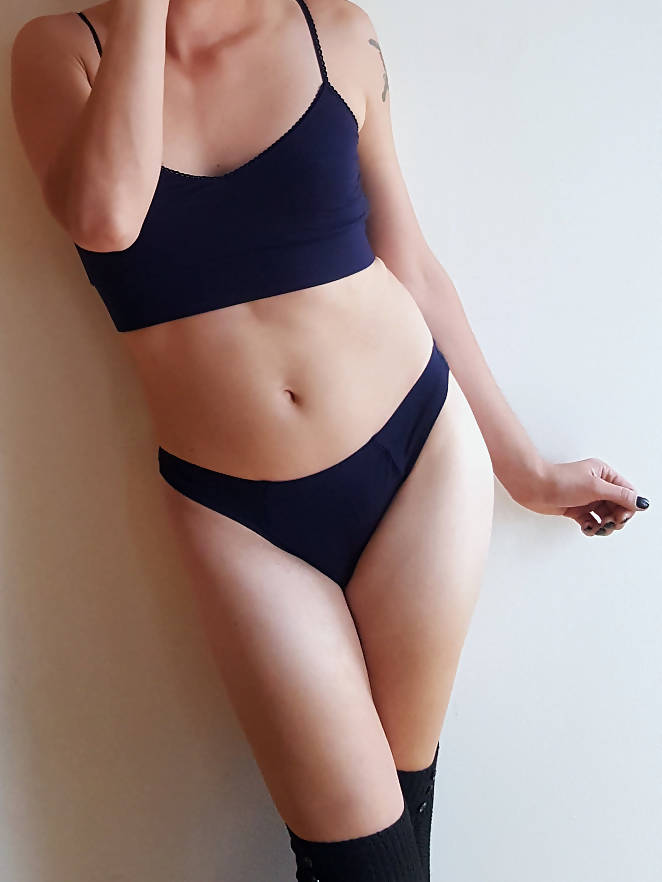 Valkyrie Low-Rise Gaff Panty in Navy
