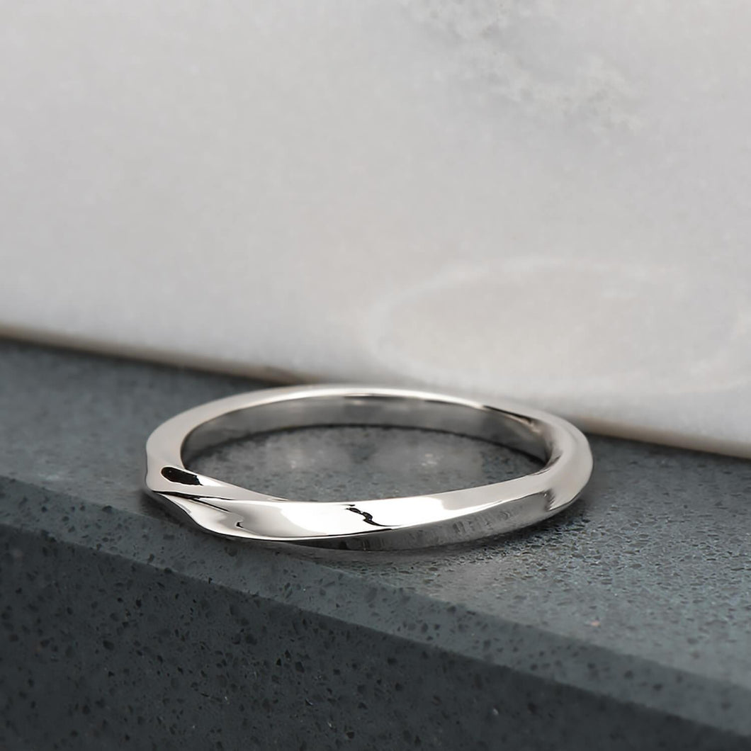 Twist Ring In White Gold