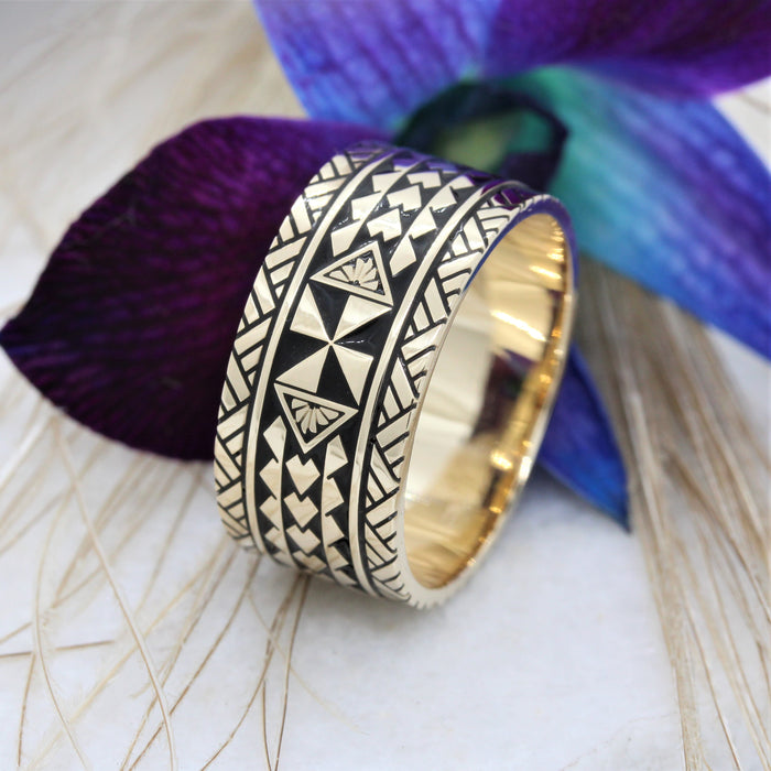 NC006DRC - Mens Taimane Triband ring