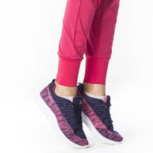 Load image into Gallery viewer, scrub elite de mujer magenta 16 jogger