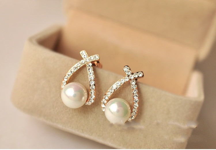 New Cute Pearl Stud Earrings For Women Crystal Lovely Girls Earring Female Cheap Fashion Jewelry