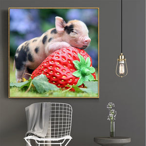 Baby Pig Sleep on Strawberry Round Drill Diamond Painting 30X30CM(Canvas)