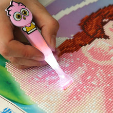 Load image into Gallery viewer, Multi-use 5D DIY Diamond Painting Cross Stitch Luminous Point Drill Pen(B)