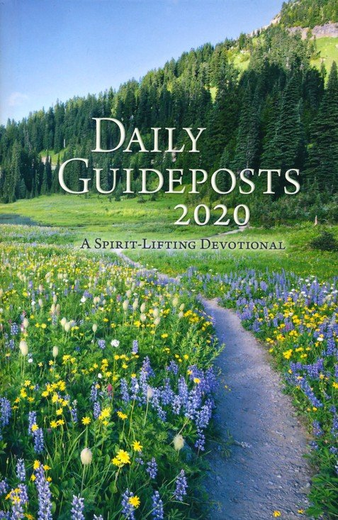 Daily Guideposts 2020: A Spirit-Lifting Devotional Hardcover