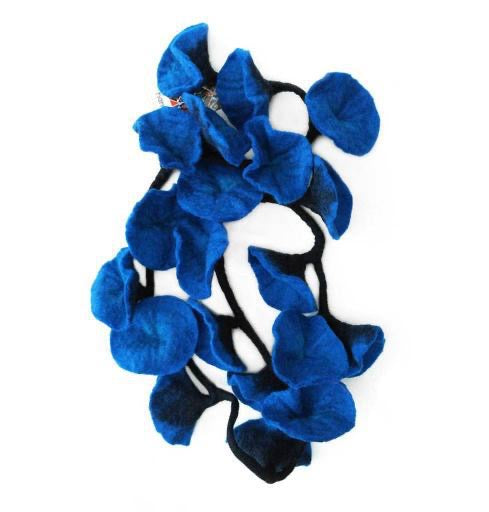 Garland, 20 Flowers - Blue