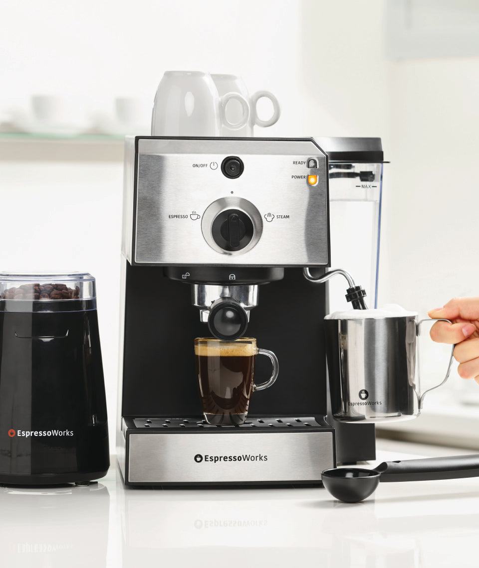 The Espresso Works 7 Piece All-in-one 15-bar Espresso Machine Set
