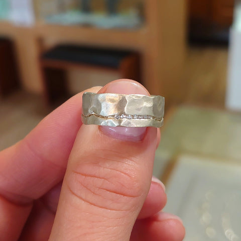 9ct White Gold with 7 Diamond Channel Ring - DK4-9WG