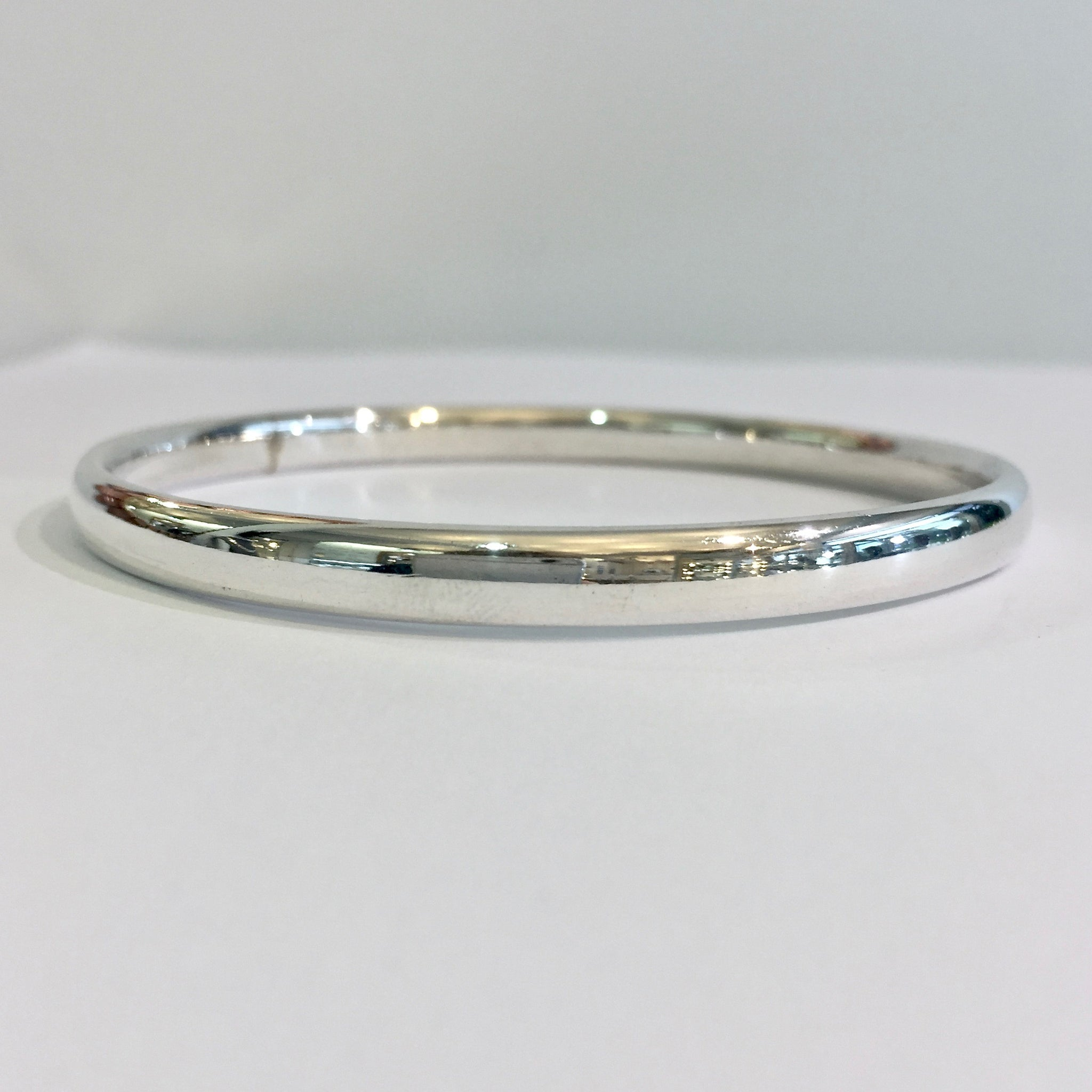 Silver Med Oval Wire Polished Bangle - WB4S