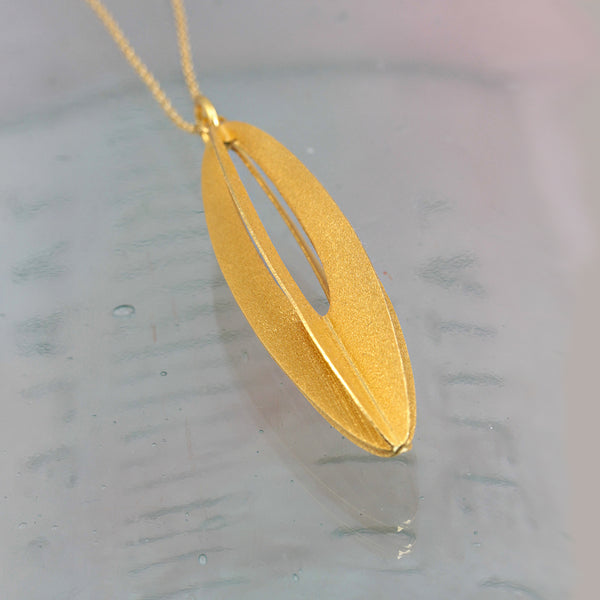 Golden Eliptical Necklace