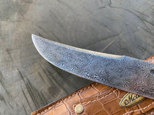 "Load image into Gallery viewer, 7"" Damascus Mosaic Linear Chef Knife 120 Layers"