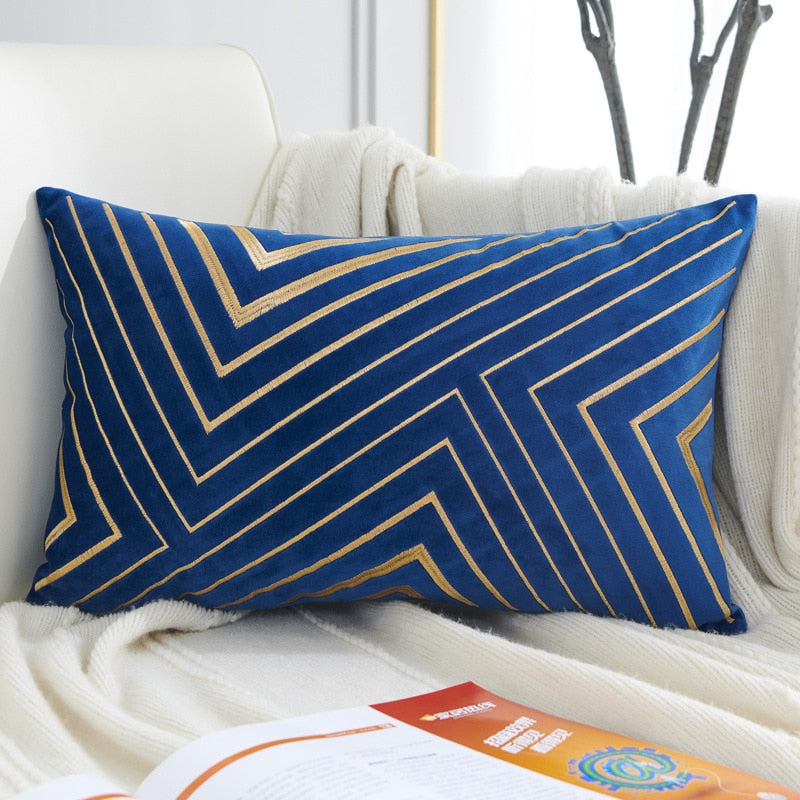 Perry Graphic Velvet Pillow Cover