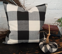 Load image into Gallery viewer, Black/White Buffalo Check Plaid Pillow