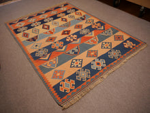 Load image into Gallery viewer, Qashqai Kilim Vintage Rug 7 x 5 ft Veggie dyes