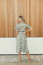 Load image into Gallery viewer, Red Ridge the Label Wirrarri Short Sleeve Dress in Pathways Print
