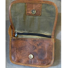 Load image into Gallery viewer, Camel Skin Leather Messenger Bag