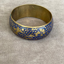 Load image into Gallery viewer, Hand Painted Chunky Bangle