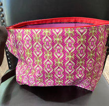 Load image into Gallery viewer, Multi-Colored Fabric Patterned Shoulder Bag (Pink)