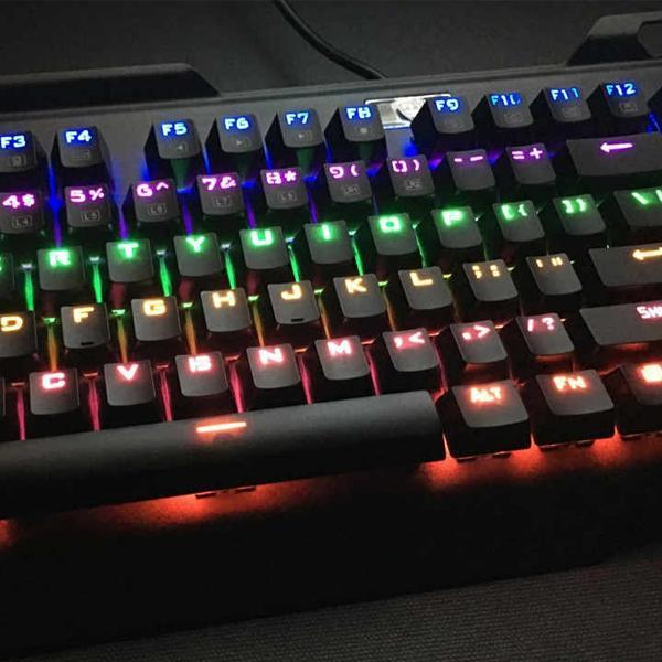 Water-resistant 104 Key Mechanical Gaming Keyboard with Blue Switch LED Lights Model I-900-Easterntimes Tech-Deal Society
