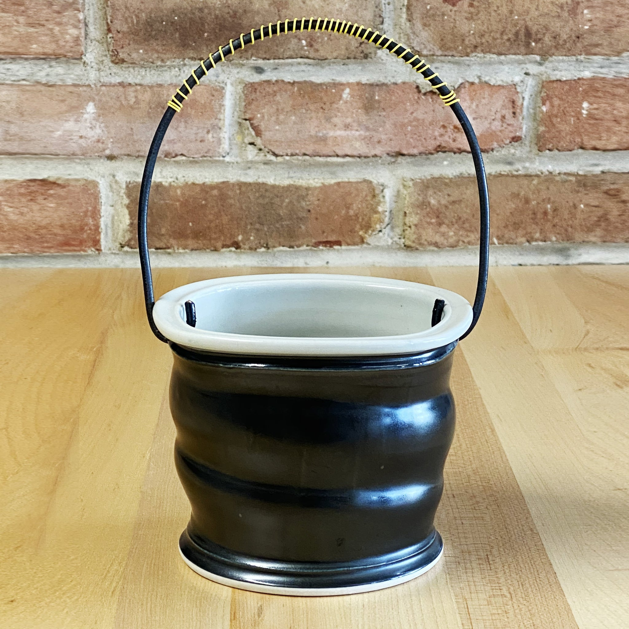 Large Basket in White | Black Glaze