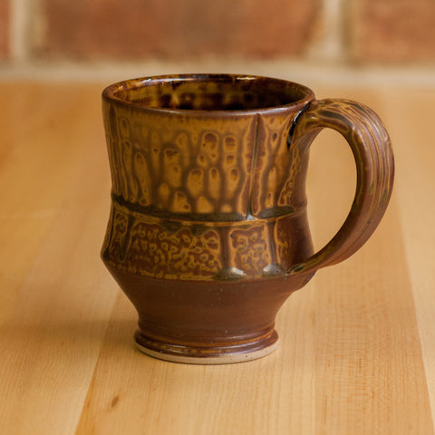 Mug in Brown Ash | Black Glaze