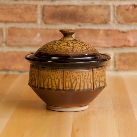 Casserole in Brown Ash | Black Glaze