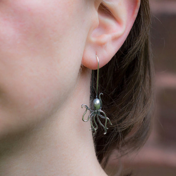 over-dramatic-genius-octopus-silver-dangly-earrings-1