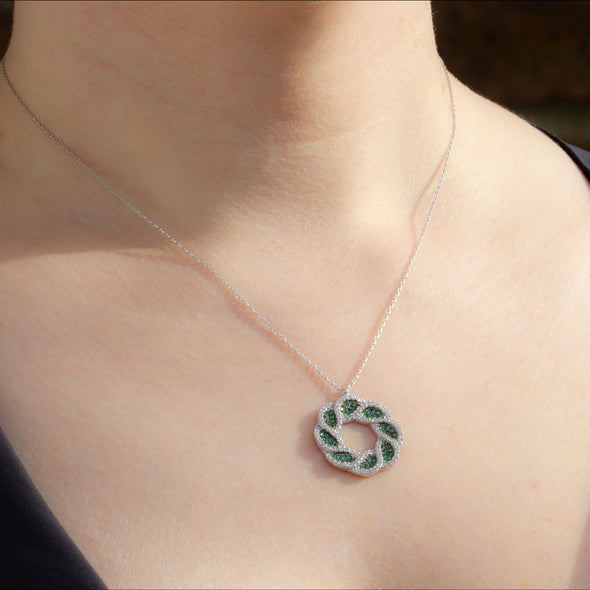 EverGreen Wreath Silver Necklace-Model
