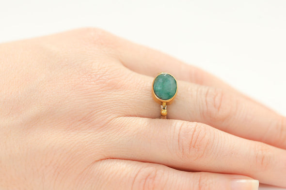 fake-it-oval-cut-emerald-adjustable-silver-ring-1
