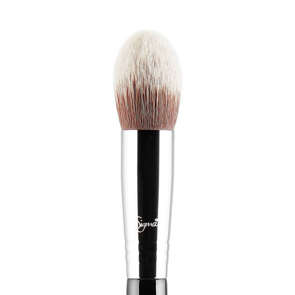 Sigma F79 Concealer Blend Kabuki Brush - PALETTE Fragrances & Cosmetics