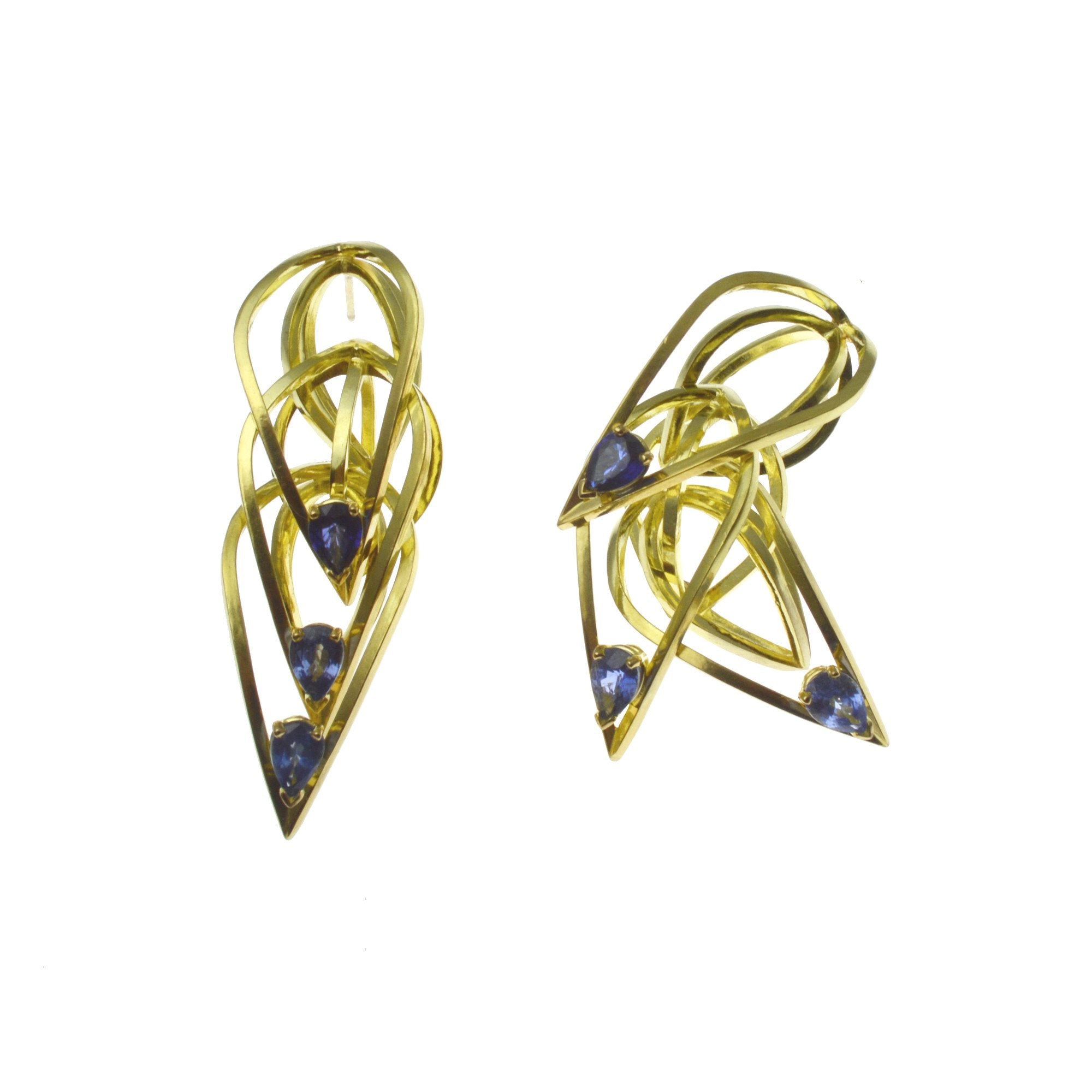 Tighra Earrings in 18k Gold with Blue Sapphires