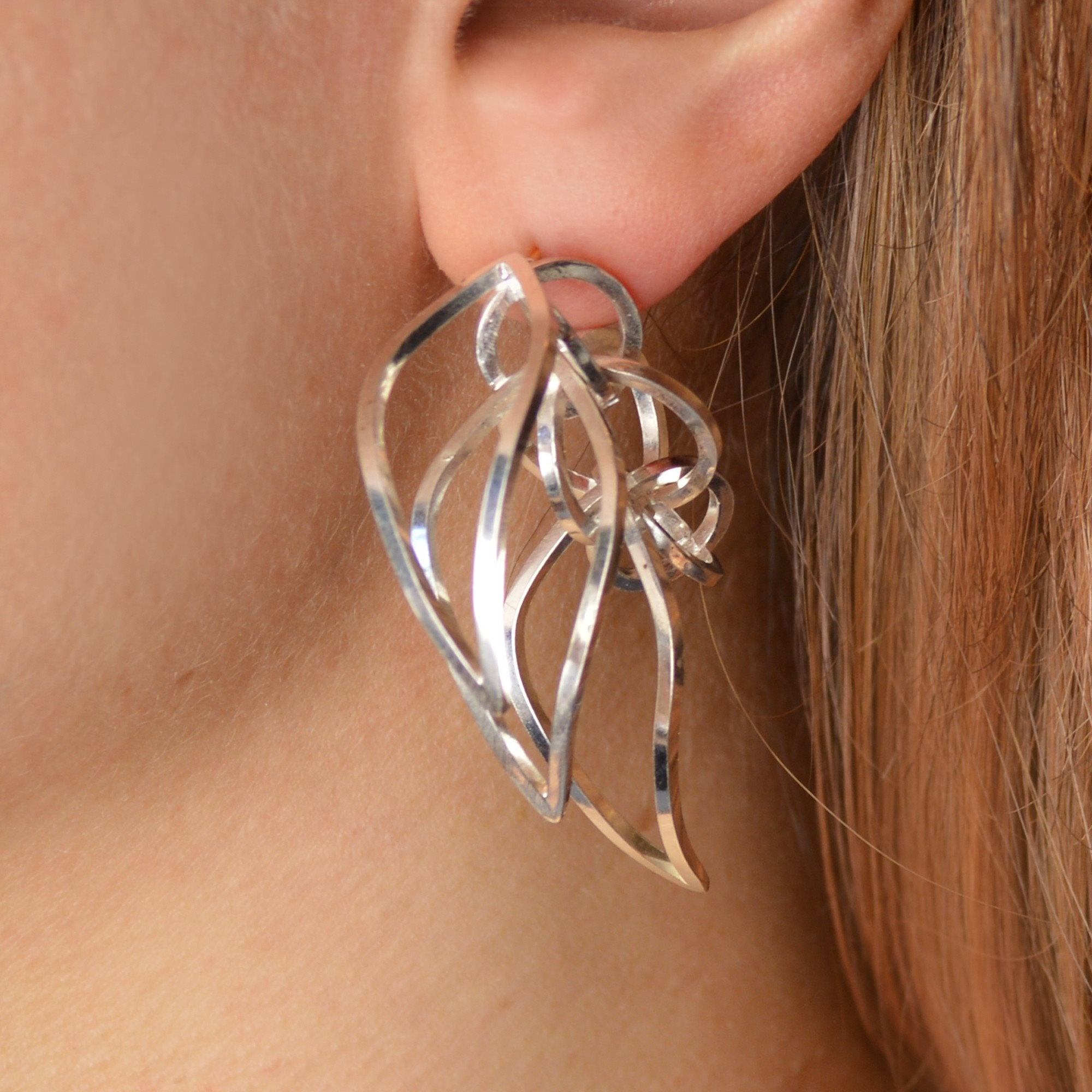 Tighra Earring in Sterling Silver