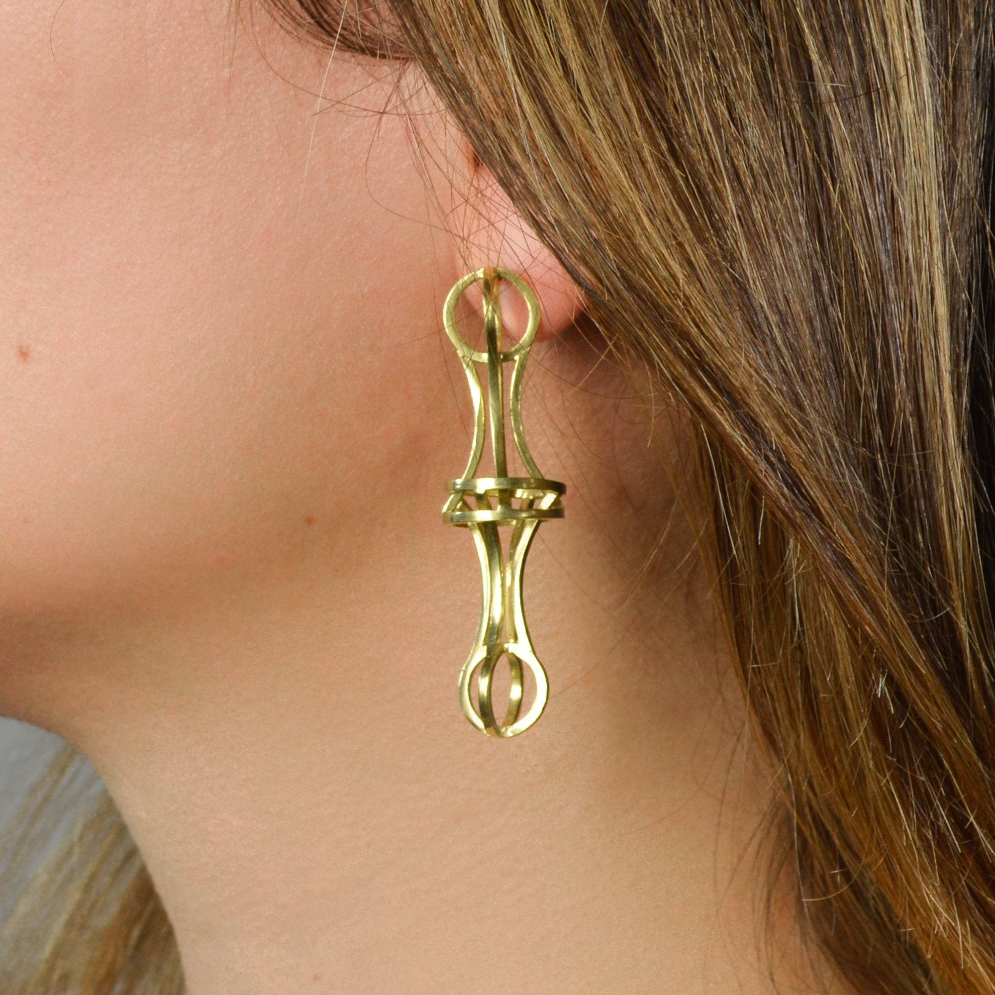 Vertebrae Link Earrings in 18k Gold