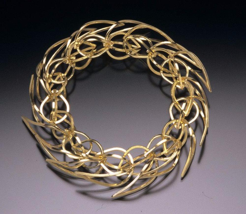 Golden Tighra Link Bracelet