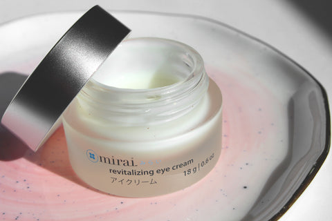 Revitalizing Eye Cream With Japanese Cherry Blossom