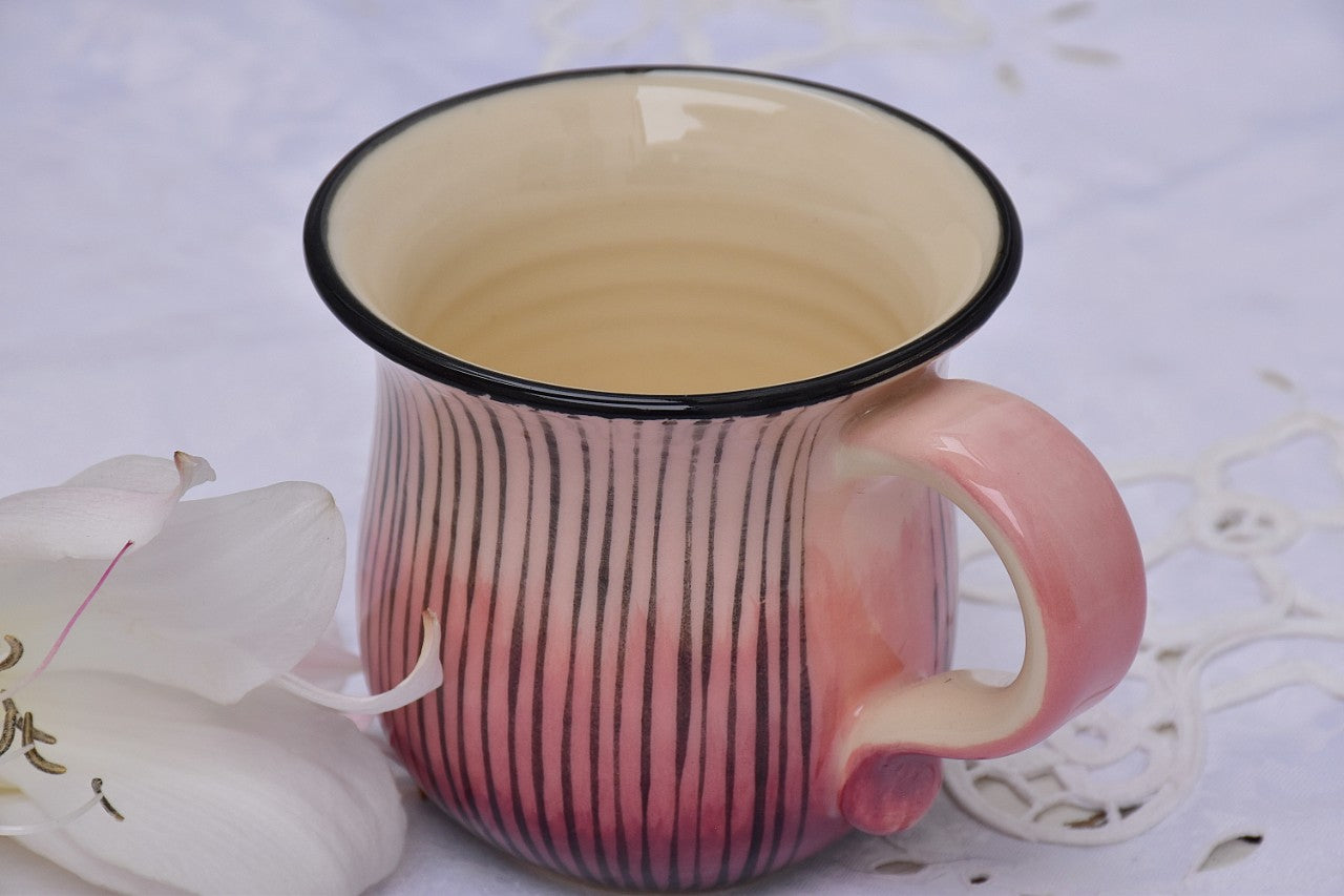 Wheel Thrown & Handcrafted Ceramic Mug in Stoneware, 400 ml - Lillie Ceramics