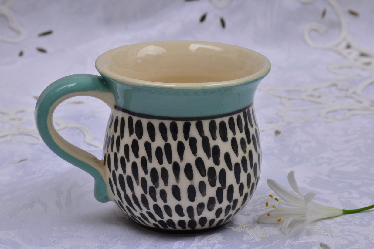 Wheel Thrown & Handcrafted Ceramic Mug in Stoneware, 250 ml - Lillie Ceramics