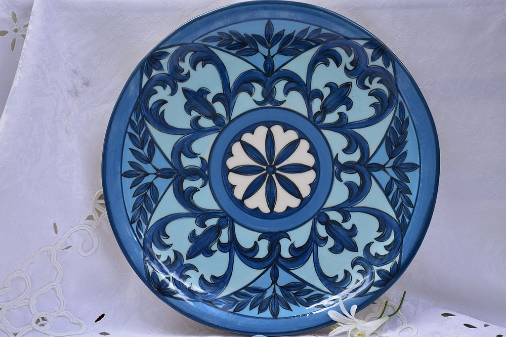 Dinner & Serving Plate in Stoneware - Lillie Ceramics