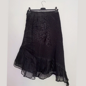 Yoshiki Hishinuma black pleated long skirt