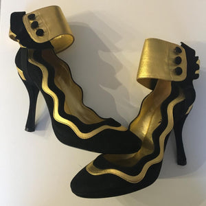 PRADA SS2008 Black & Gold Suede Ankle Ruffle Cuff Metallic Pumps