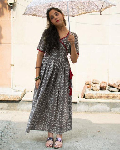 Women's summer maxi dress in cotton with dabu print.