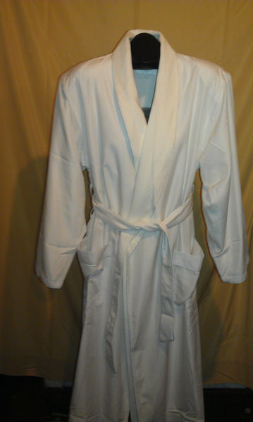 Chadsworth & Haig White Featherlite Robe
