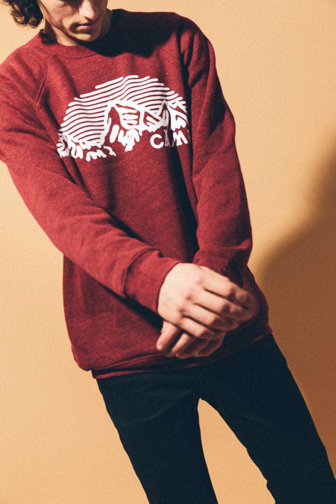 MOUNTAIN ARCH CREWNECK // TRI RED